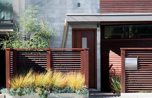 03. Penggunaan material alami pada interior